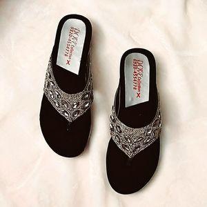 NWOT Ladys sandals
